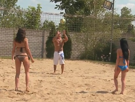 Ball games girls in bikini ending in sexual bacchanalia