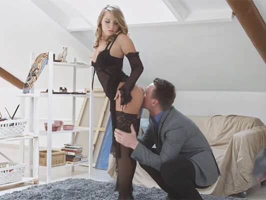 Rookie bitch luxury with its first client has a wild orgasm screaming like a bitch