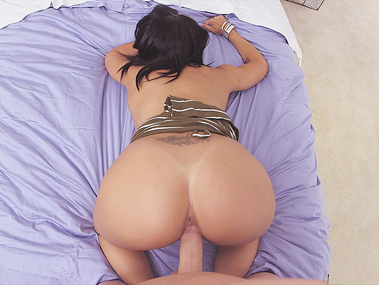 The spectacular Selena Santana fucking in POV just swallowing a good cumshot that fills his face with dense hot cum