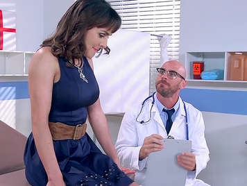 Milf fucks her gynecologist on the medical consultation