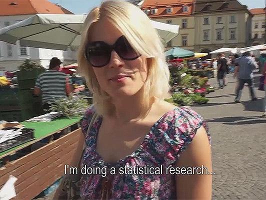 Sesso sul mercato con una ragazza ceca che ama succhiare cazzi e deglutizione carichi di sperma