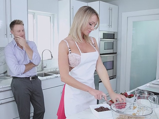 housewife mature and very sensual wants to be fucked by her husband