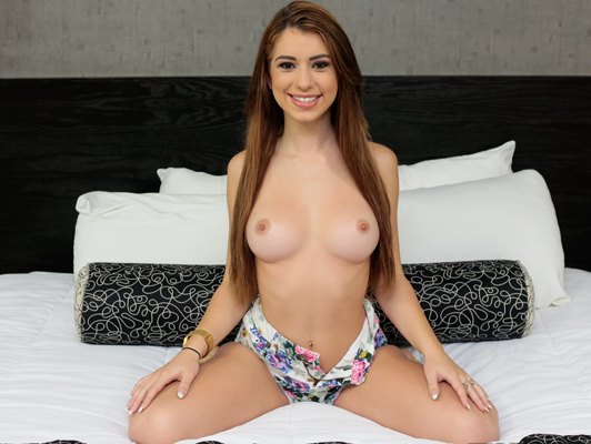 The first porn casting of Joseline Kelly