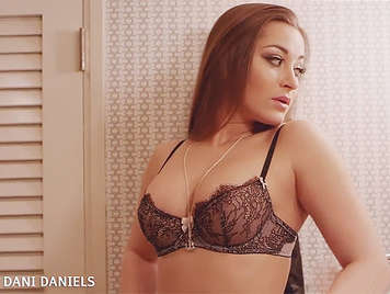 The busty hooker of luxury,  Dani Daniels fucked by a big dick