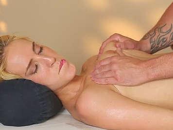 fantasia sessuale video gratis massaggio