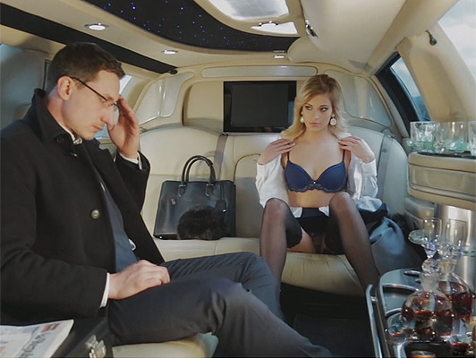 Posh Girl , fucks her guardian in the limo Dad and does not stop until it gets empty her balls from his rich and sweet cum
