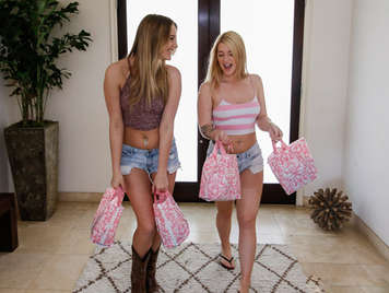 day shopping sexy lingerie becomes in a good lesbian sex