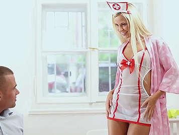 Dido Angel de cachonda enfermera