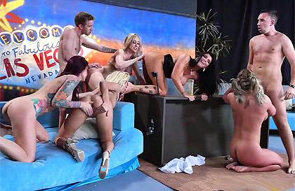Jetzt gratis Porno gucken in Top HD-Qualität.
