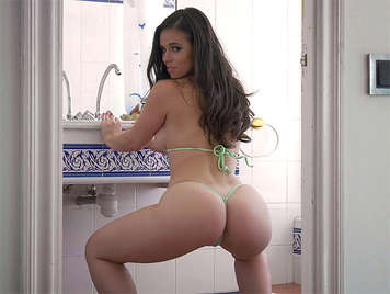 seductive Nekane doing Twerking to get hot her boyfriend