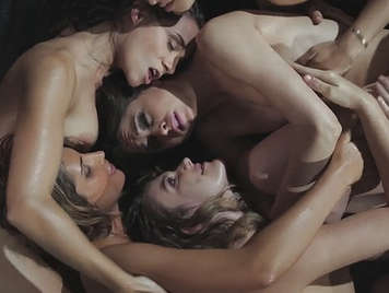 Orgy between girls in lesbian porn video