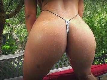Latina en tanga imposible culo perfecto sexo anal duro hasta las pelotas