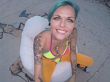 Sexo callejero con una española tatuada