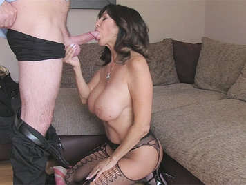 False agent fucks an English mature big tits with a big ass
