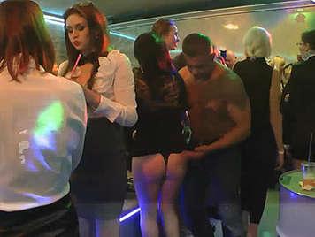 fiesta conexiones sexuales tetas