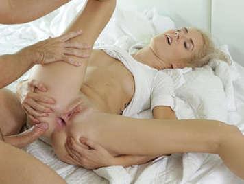 Mädchen anal Sex Foto