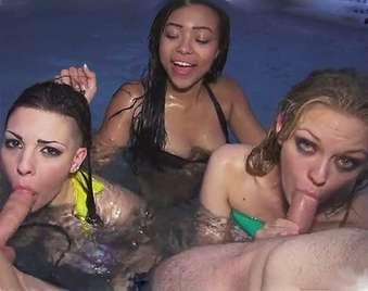 notte Gangbang in piscina