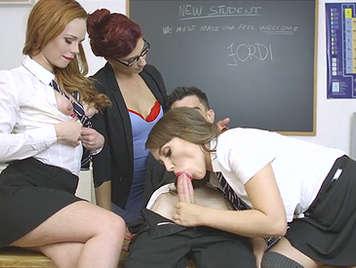 Alumnas y profesora follando en el aula con Jordi el Niño Polla