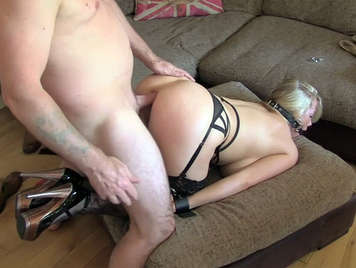 Fake agent, sexually submit to a blonde milf of big boobs