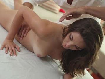 Le gustan los masajes porno