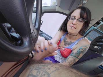 follando con una joven española pillada en la calle y adicta al mango y al manga