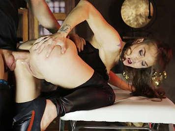 Profundo sexo anal con la española Sandy Alser