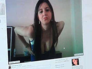 Chica amateur zorreando por facebook pone los cuernos a su novio