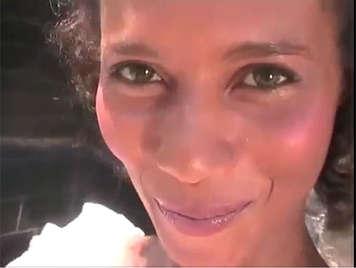 sexo anal con una sexy criada brasileña amateur