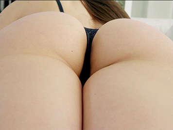 Porno español follando con la exuberante tetona Marta La croft