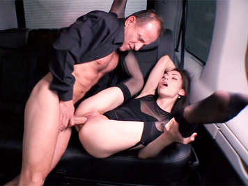 Fucking in a taxi with a girl with a dripping and shaved pussy