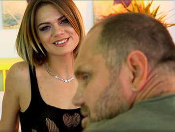 Porno español, Nacho Vidal hace casting con una linda chica rubia del este de europa