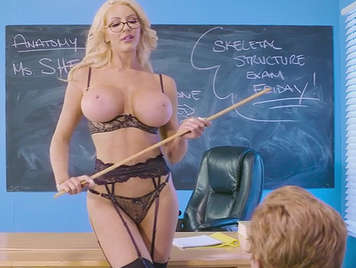 Profesora tetona de brazzers