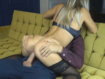 Blowjob of an open blonde fucking nonstop