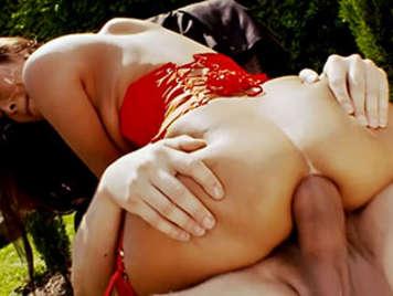 Chica Asiatica tetona de coño peludo recibe anal y corrida en su vientre