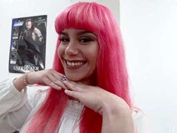 Porno español, sexy maquilladora Pink Charlotte follada por jordi el Niño Polla con camara oculta