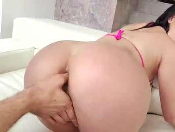 kristina Rose adicta al sexo anal duro y profundo