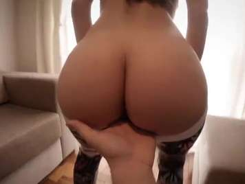 Porno Amateur joven grabando con su mobil