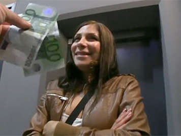 Tschechische Mädchen von verheirateten Geld in einem Parkin gefickt