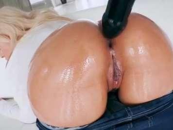 Culazos de una rubia potente recibe duro sexo anal