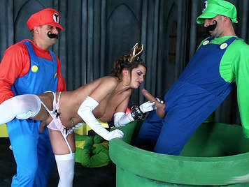 Super Mario and Luigi finally fucked up the Princess Peach just shooting their load of semen on her tits