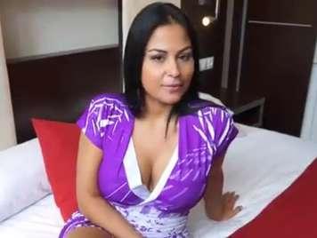 Colombiana con buenas curvas quiere una buena chota