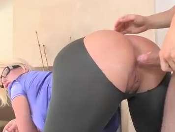 Culazo de una rubia muy caliente quiere sexo duro