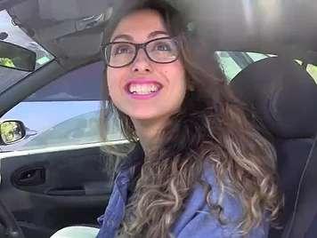 Amateur española Paulita pillada y follada en el coche
