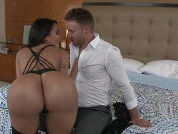 Lela star Paar genießt den Arsch seines novi