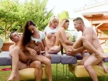 Orgias con tres bellezas de jovencitas que terminan enlechad