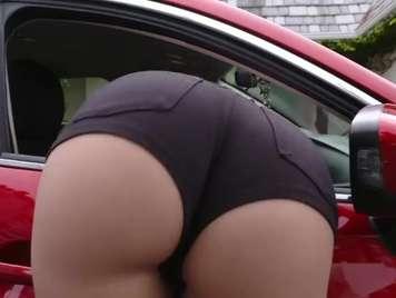 Kurze Hose und eine sehr sexy blonde big ass