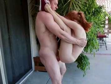 La vecina busca diversión