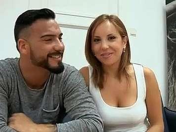 Porno español amateur viendo como follan a su novia