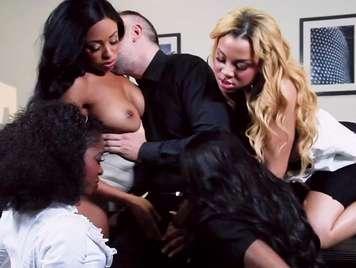 Orgias con cuatro negras viciosa que se pone cachonda