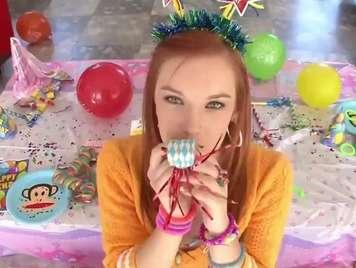 adolescente de 18 años quiere sexo duro por su cumpleaños